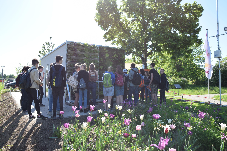 ZAE Bayern Schülerinnen und Schüler der Dr-Karl-Kroiß-Schule besuchten die Klima-Forschugns-Station