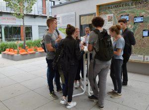 Besuch ZAE Bayern LGS Klima- Umwelt-Energie und Klima-Forschungs-Station-Friedrich-List-Gymnasium